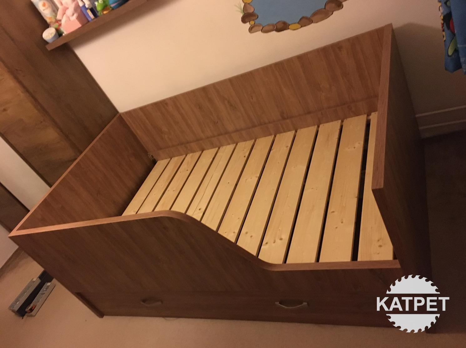 Dětská postel s úložným prostorem – Lutín