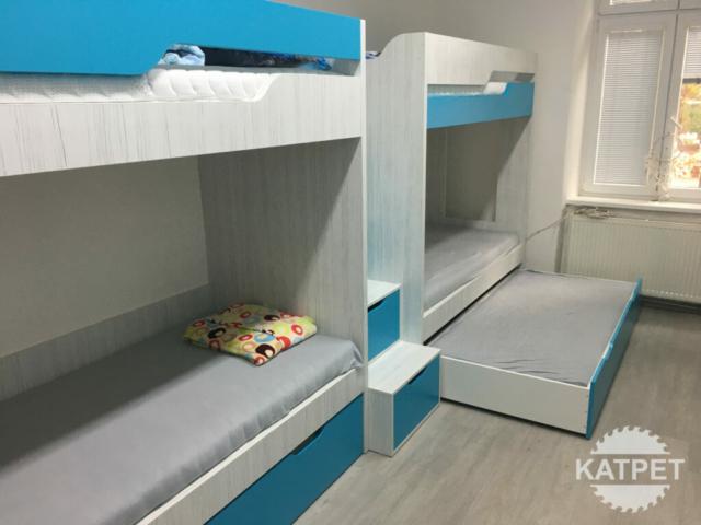 Modrý nábytek na míru
