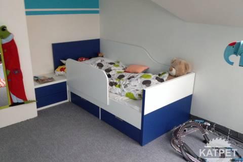 Dětské postele se zábranou