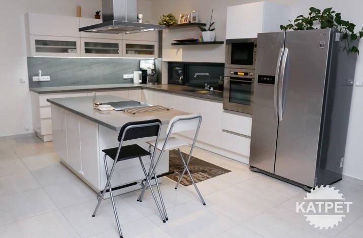 Jednoduchá kuchyň na míru