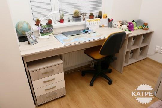 Dětský pokoj - stůl