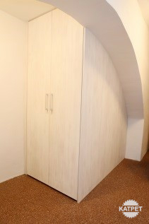 Vestavěná skříň Katpet