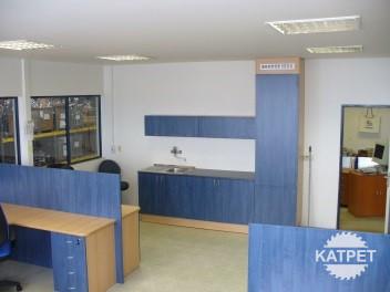 Kancelářská kuchyňka na míru